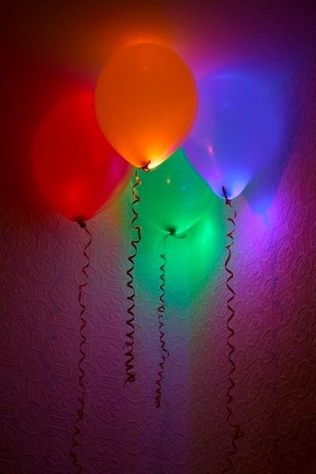 Disco Party Decoration Ideas - glowing balloons