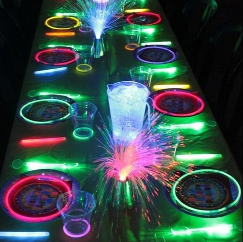 Disco Party Decoration Ideas - Glow in the dark table setting